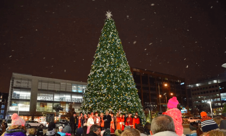 Annual Tree Lighting Ceremony | Cherry Creek Shopping Center | The Denver Ear