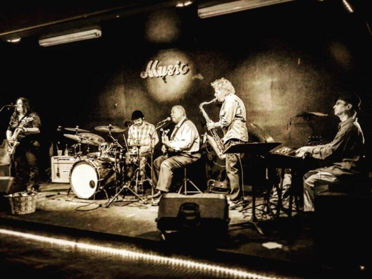 Herb's | The Denver Ear